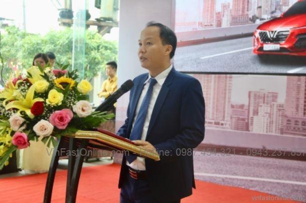 Ông Phan Thanh Hải, giám đốc kinh doanh phát biểu trong lễ ra mắt sản phẩm VinFast Lux A2.0