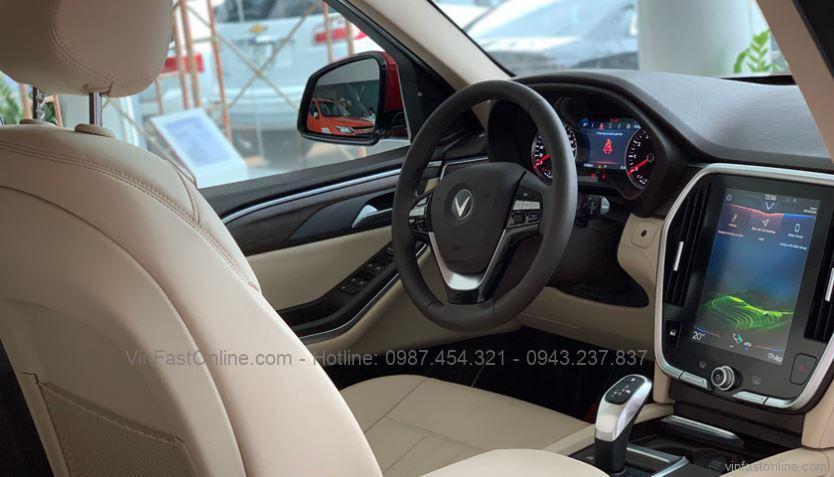 Vị trí lái xe VinFast Lux SA2.0