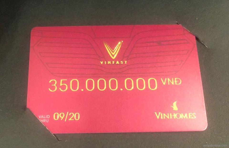 Voucher mua xe VinFast không định danh 300 triệu